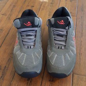 Chung Shi T-Shoes size 8 1/2